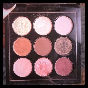 MAC  Burgundy Times Nine mini palette